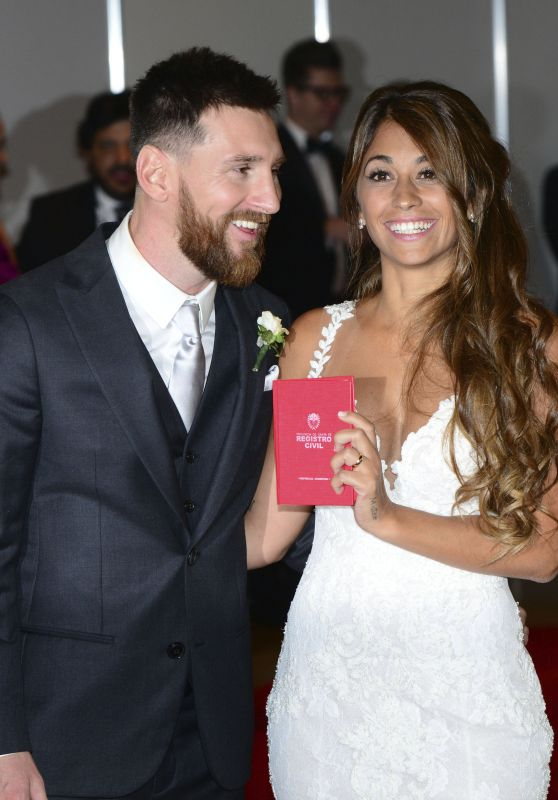 Lionel Messi and New Wife Antonella Roccuzzo - Red Carpet at Their Wedding Reception in Argentina 06/30/2017
