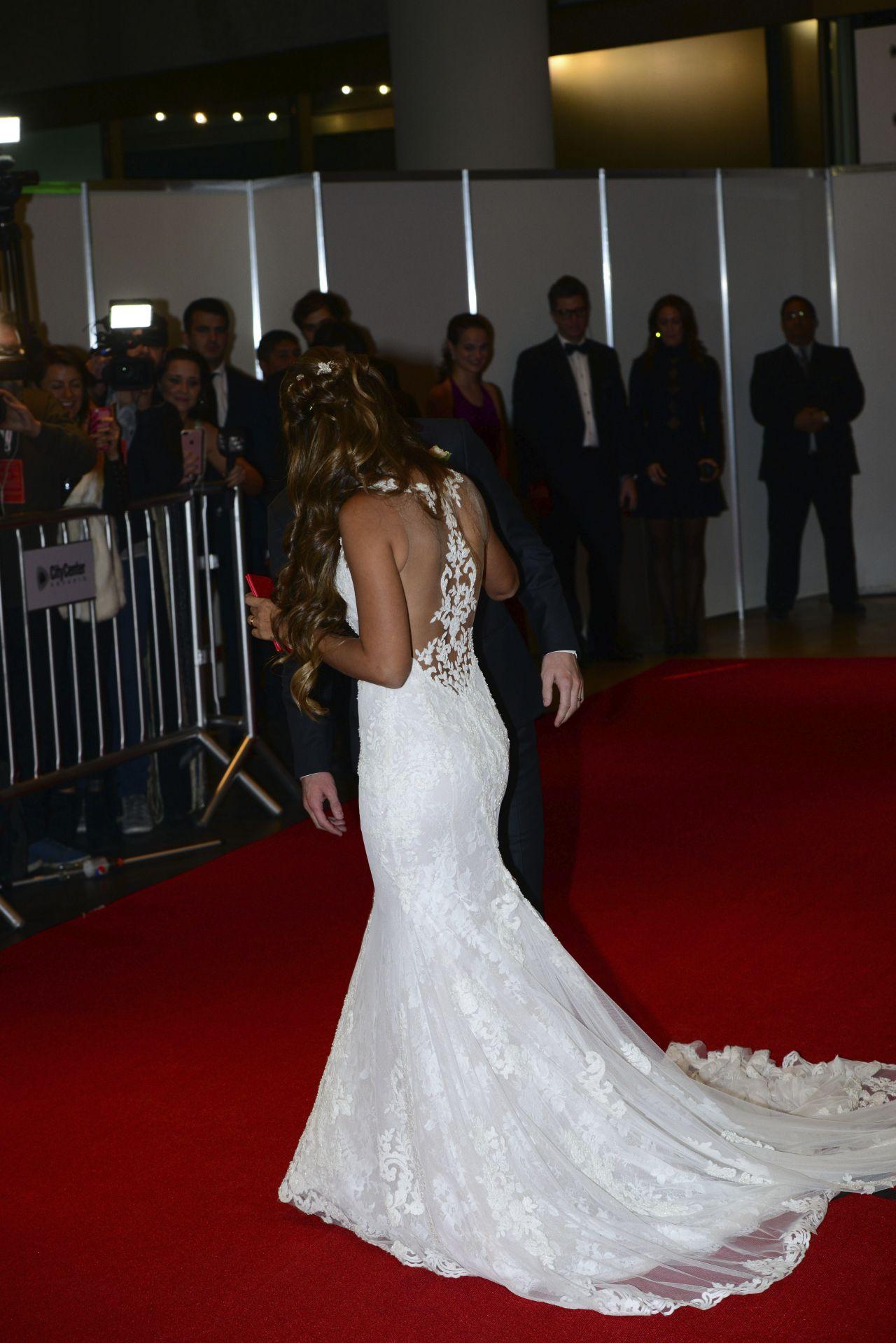 Lionel Messi and New Wife Antonella Roccuzzo - Red Carpet ...