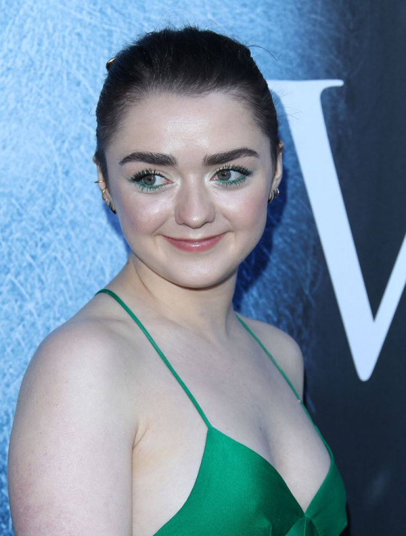 Maisie Williams Game Of Thrones Season 7 Premiere In