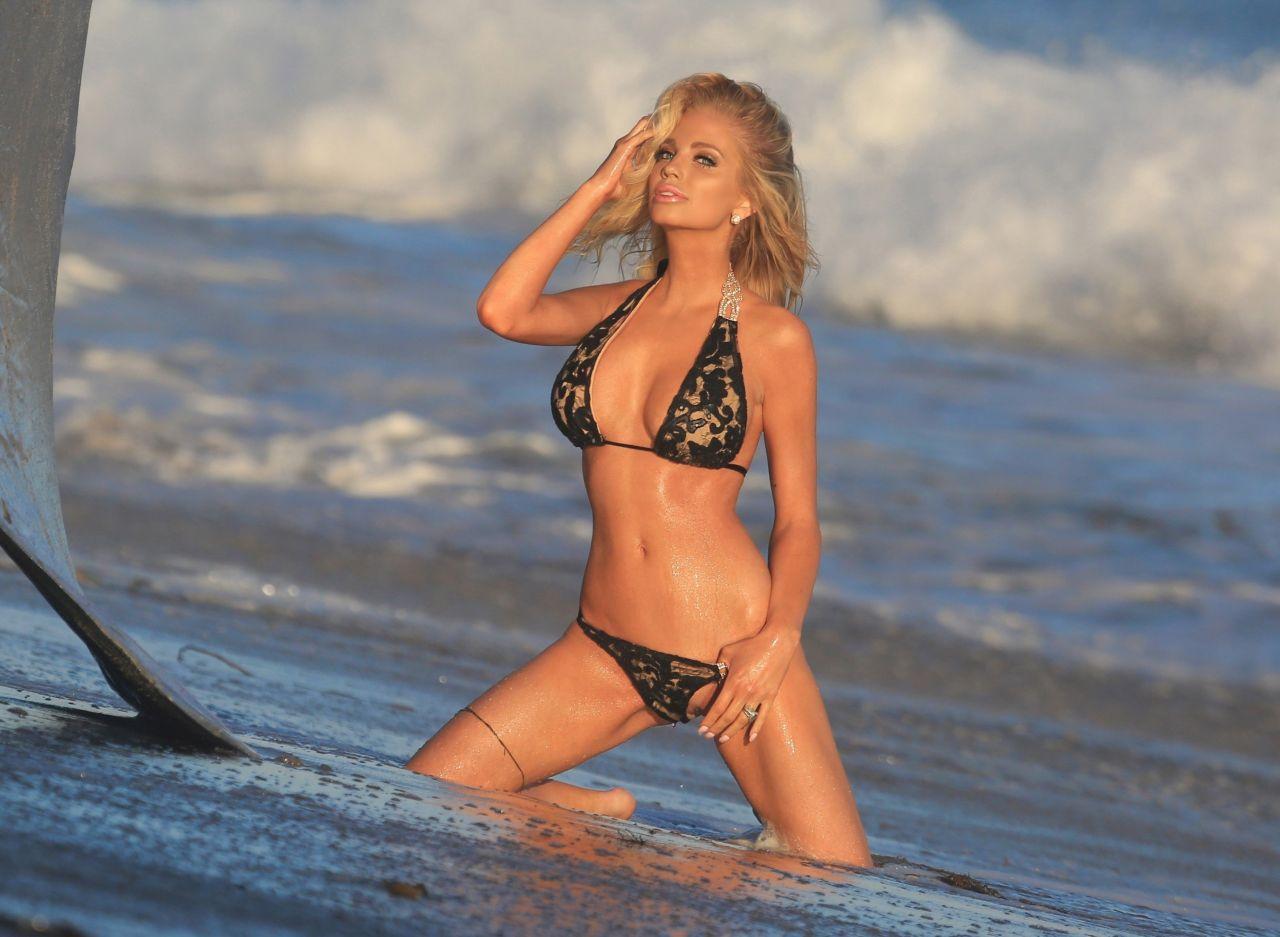 Kaitlin Olson Bikini