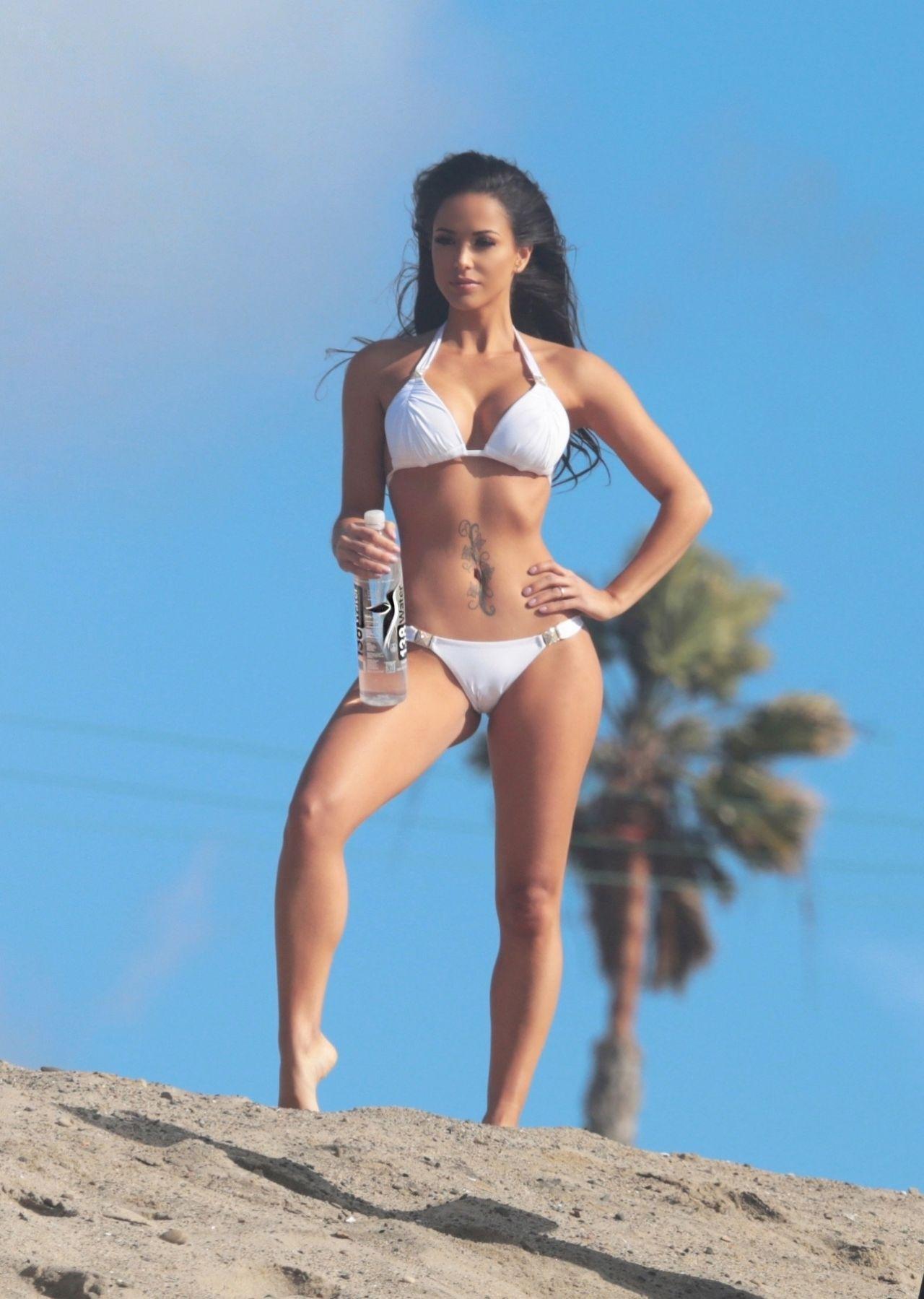 Melissa riso flaunts her bikini body nude (82 photo), Feet Celebrity photos
