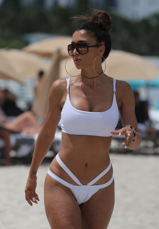 Metisha Schaefer in a White Bikini - Miami Beach 07/13/2017