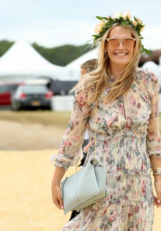 Molly Sims - OCRFA Super Saturday to Benefit Ovarian Cancer at Ark Project in Bridgehampton, NY 07/29/2017