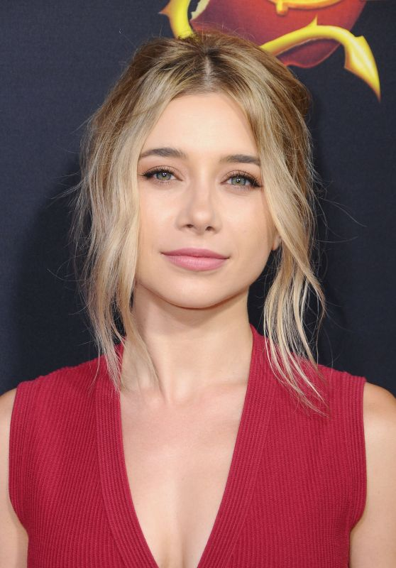 "Olesya Rulin - ""Descendants 2"" Premiere in Los Angeles 07/11/2017"