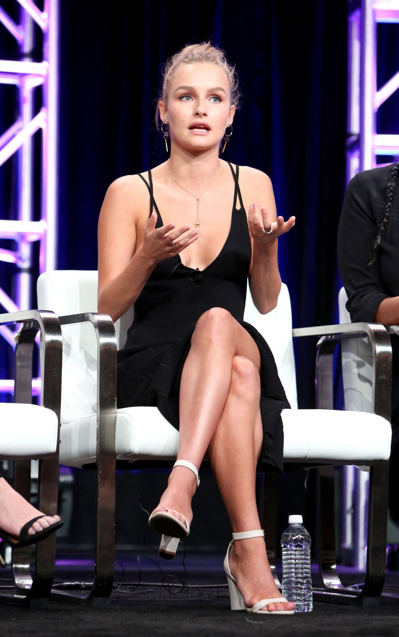 Tits Legs Olivia DeJonge  naked (58 pics), 2019, bra