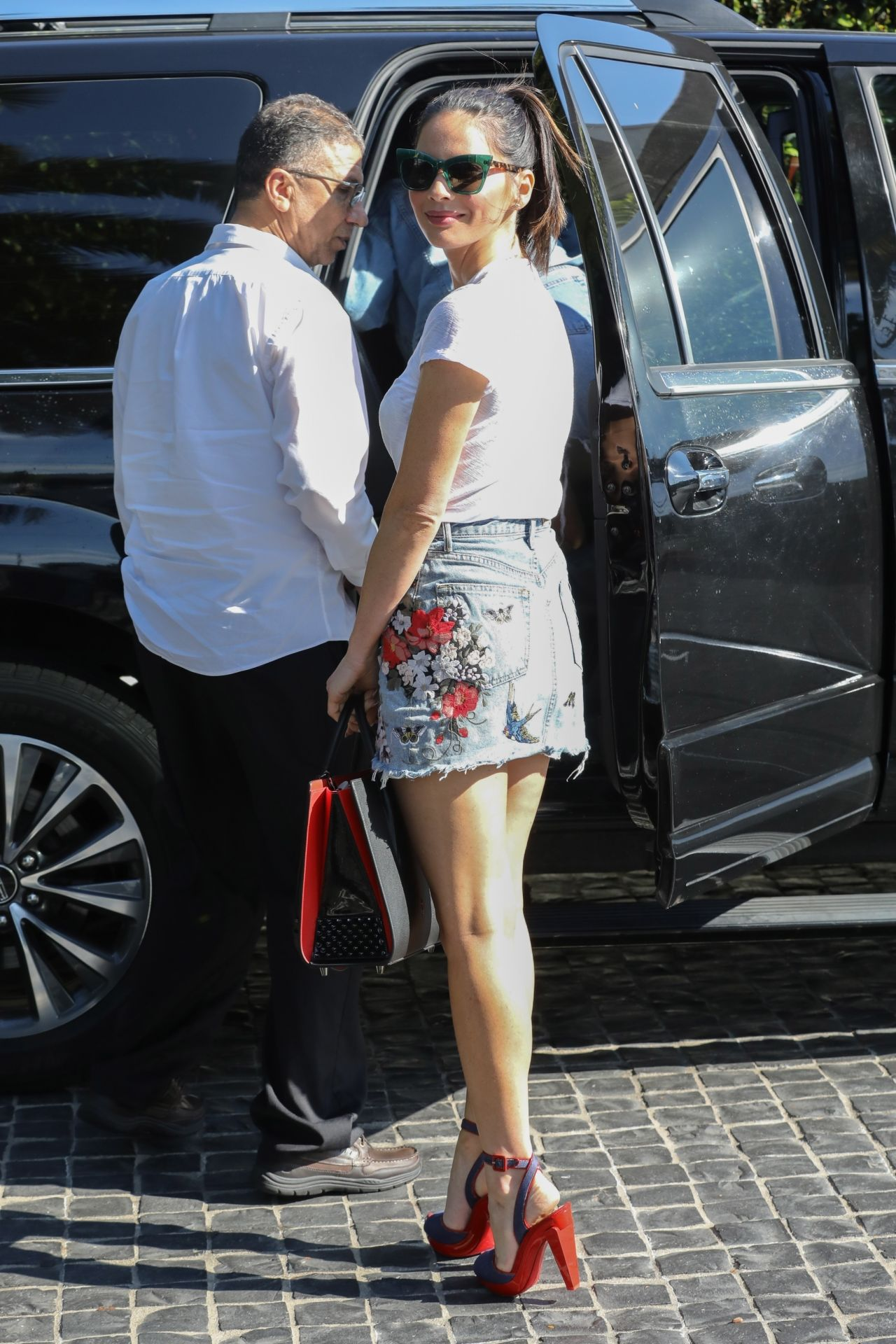 Olivia Munn Shows Off Her Legs Cecconi S In West