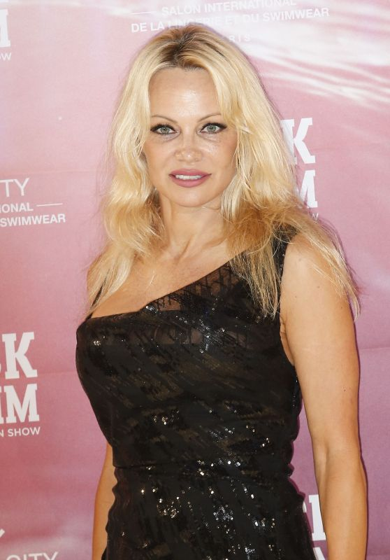 Pamela Anderson - Rock My Swim Show in Paris 07/08/2017