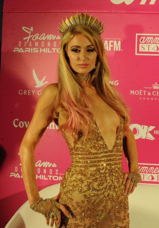 Paris Hilton - Party in Ibiza 07/02/2017