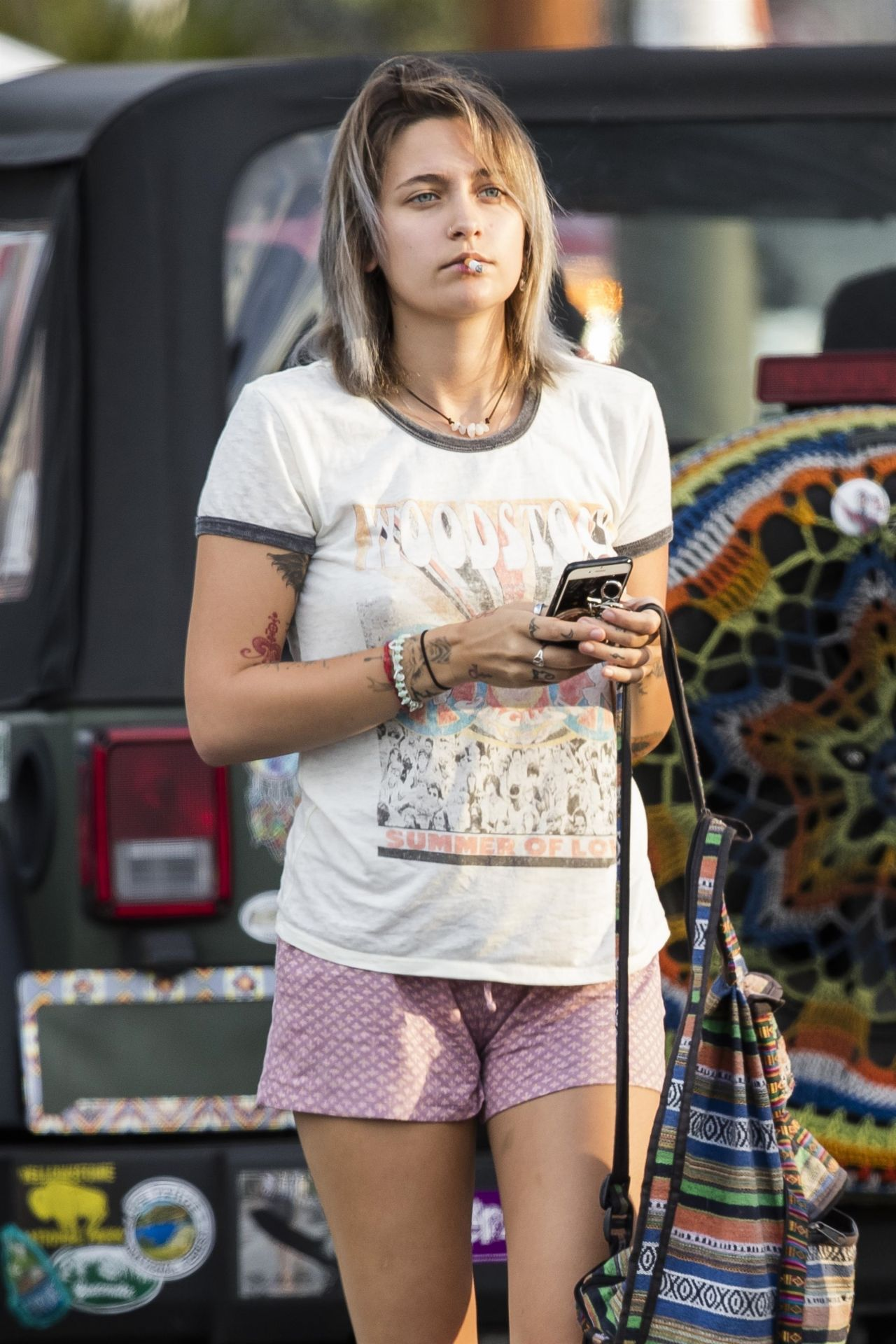 Paris Jackson Heading Into Rite Aid In Woodland Hills 07