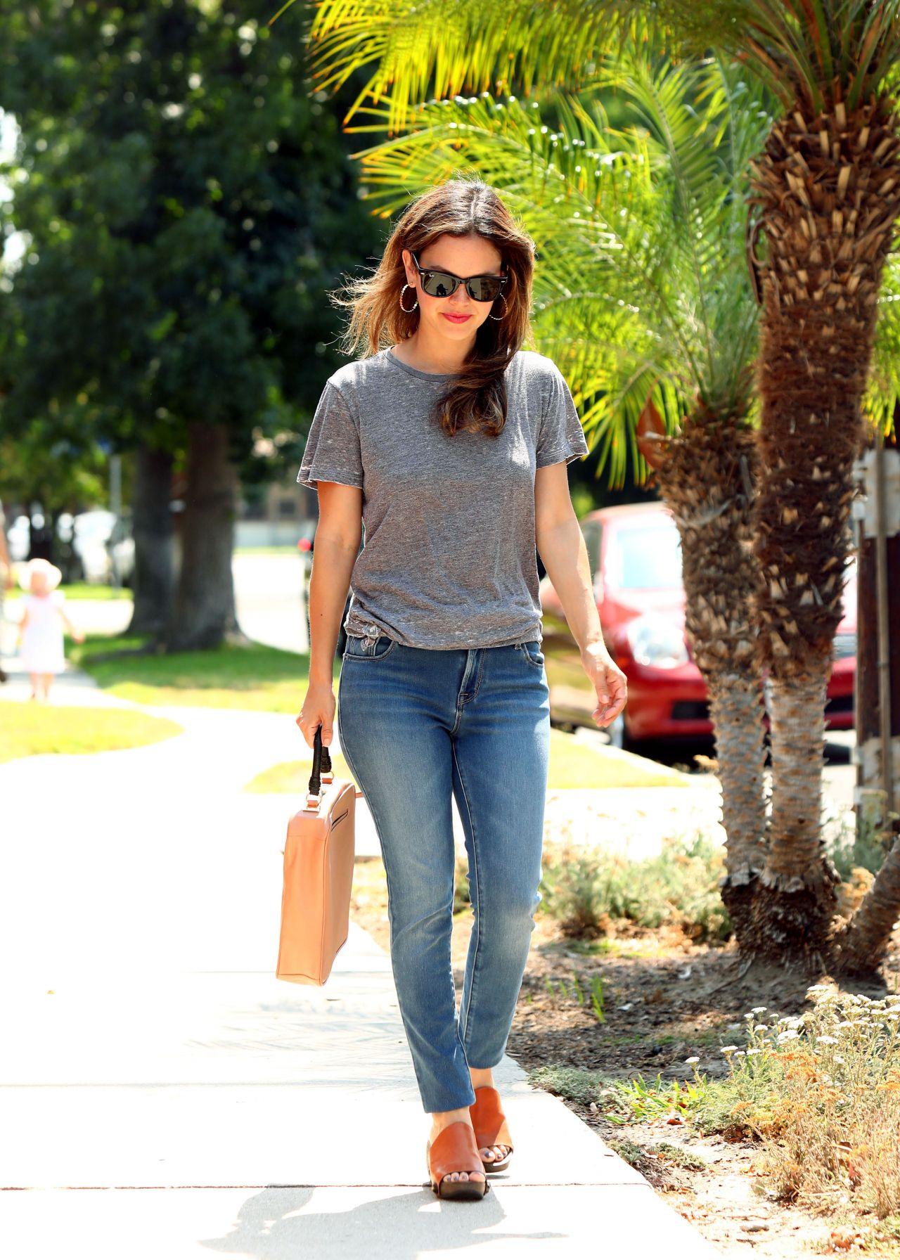 Rachel Bilson Strolling In Beverly Hills 07 31 2017