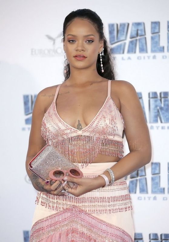 "Rihanna - ""Valerian And The City Of A Thousand Planets"" Premiere in Paris 07/25/2017"