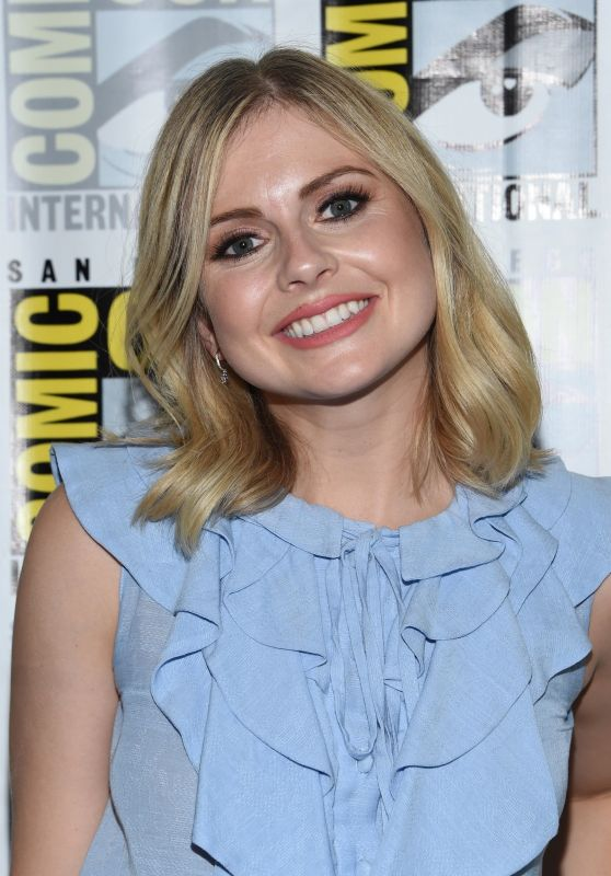 "Rose McIver - ""iZOMBIE"" Special Video Presentation in San Diego 07/21/2017"