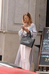 Sandra Kubicka Casual Style - Leaves a Restaurant in Warsaw 07/07/2017