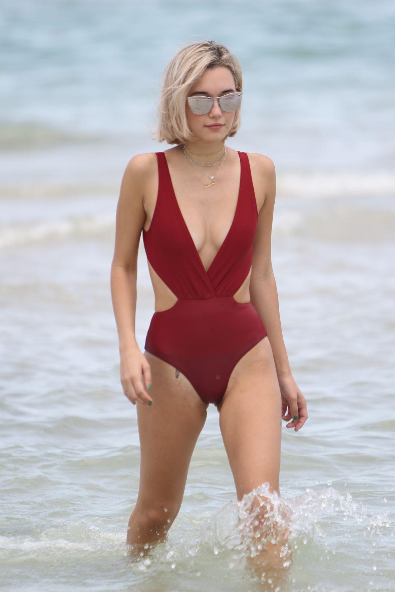 Bikini Sarah Snyder nude photos 2019