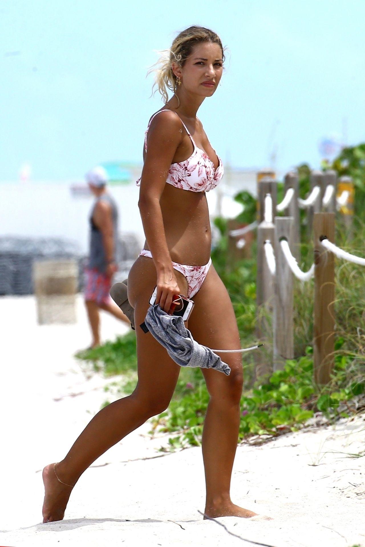 Sierra Skye In A Bikini Beach In Miami 07 19 2017