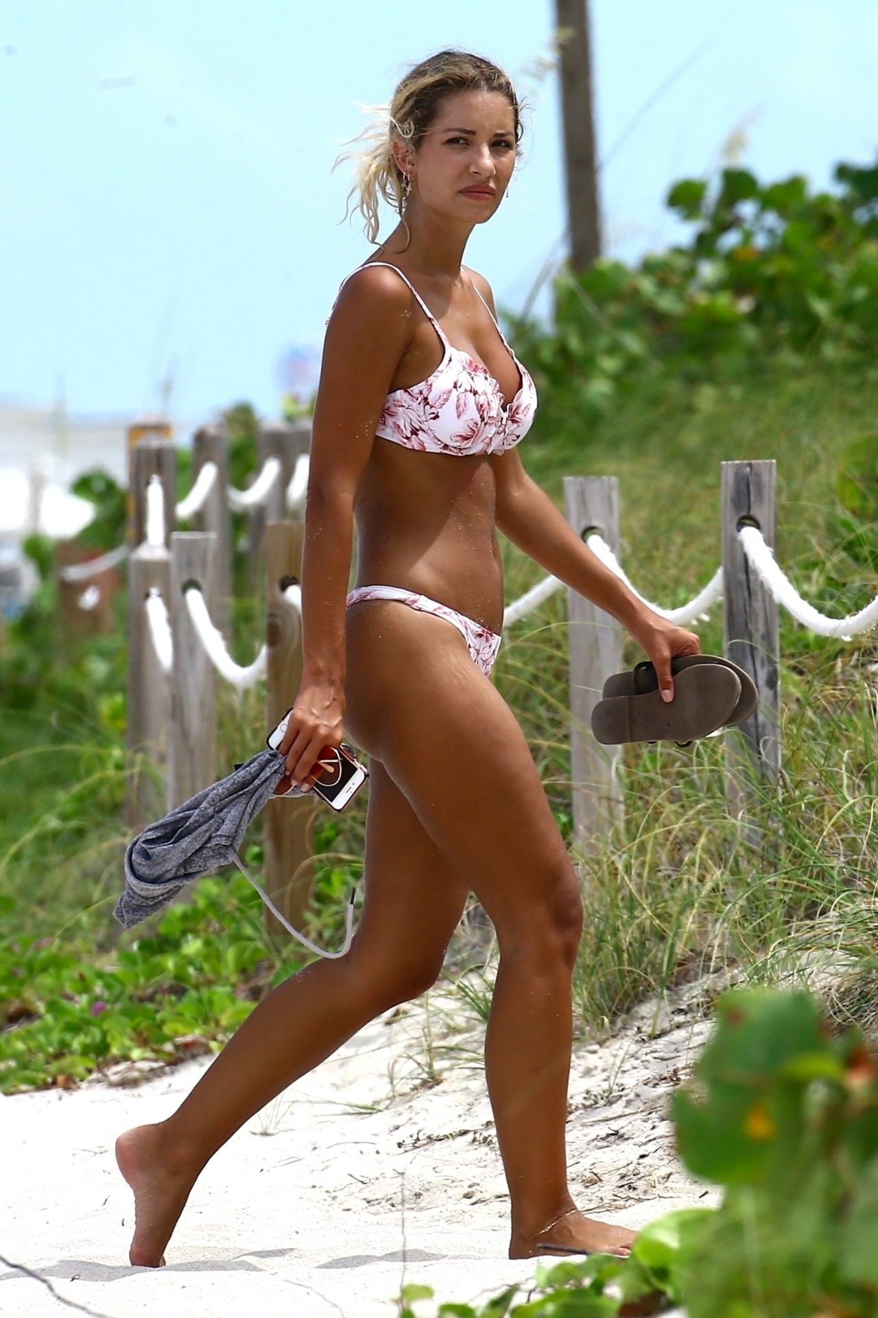 Sierra Skye In A Bikini Beach In Miami 07 19 2017