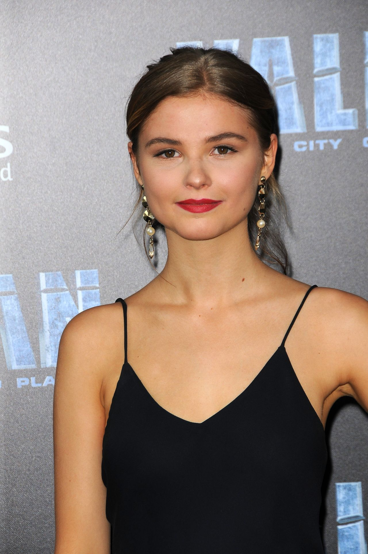 "Stefanie Scott – ""Valerian and the City of a Thousand ..."