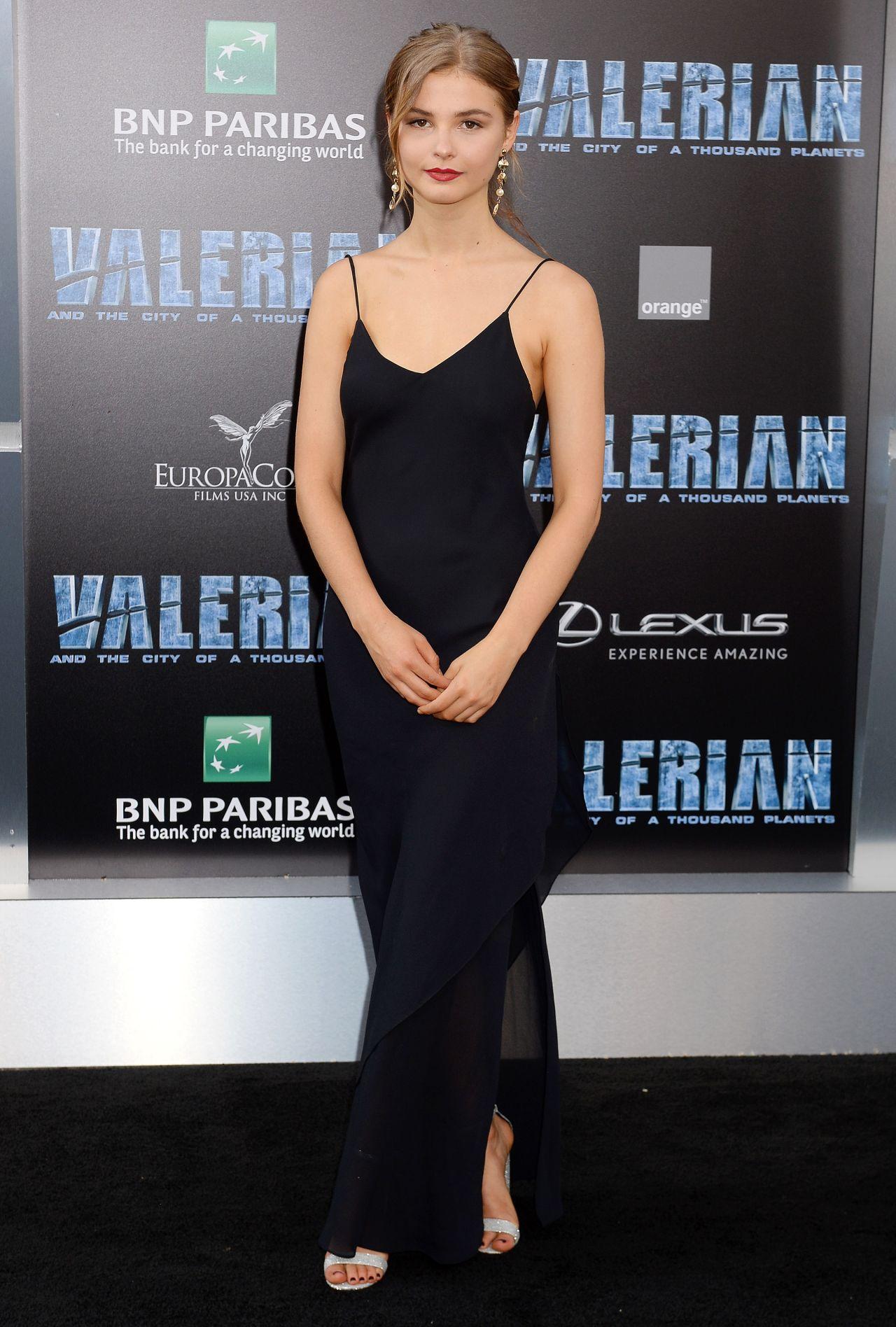 "Stefanie Scott – ""Valerian and the City of a Thousand ... Stefanie Scott 2017"
