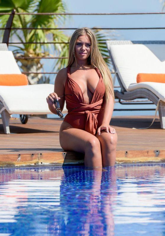 Tyne-Lexy Clarson in a Swimsuit - Bodrum, Turkey 07/12/2017