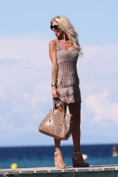Victoria Silvstedt - Arriving at the Club 55 in Saint-Tropez, France 07/01/2017
