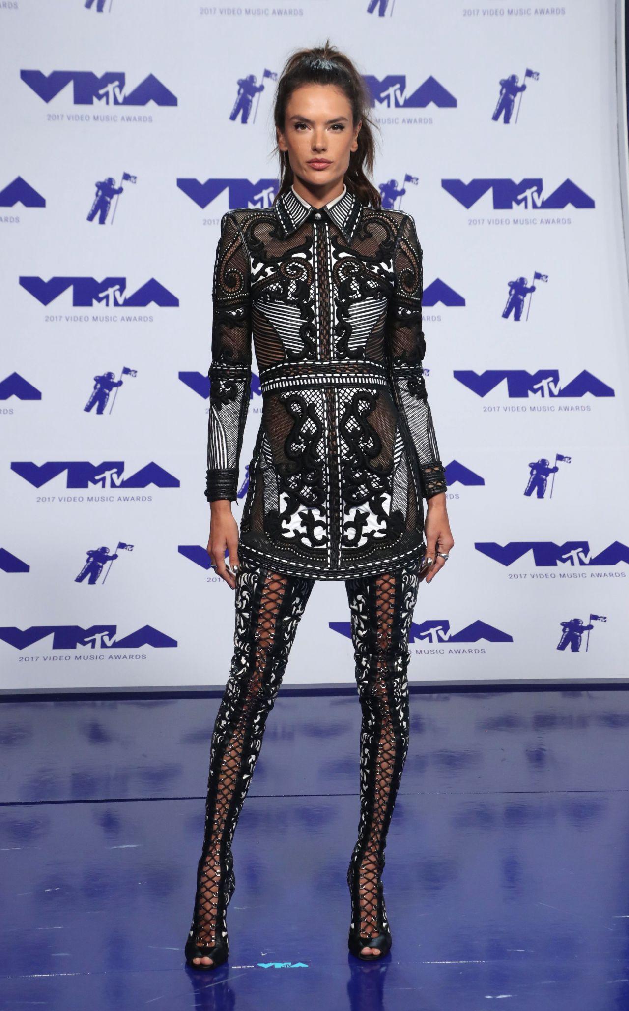 Alessandra Ambrosio - MTV Video Music Awards in Los ...