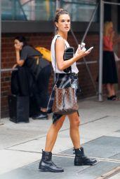 Alessandra Ambrosio Urban Street Style - New York 08/15/2017