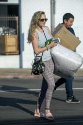 Amanda Seyfried - Picks Up Some Packages and Bedding at Her PO Box in LA 08/28/2017
