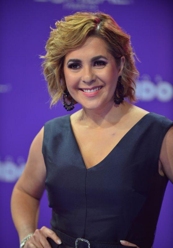 """Ana Maria Canseco – """"Premios Tu Mundo"""" in Miami 08/24/2017"""