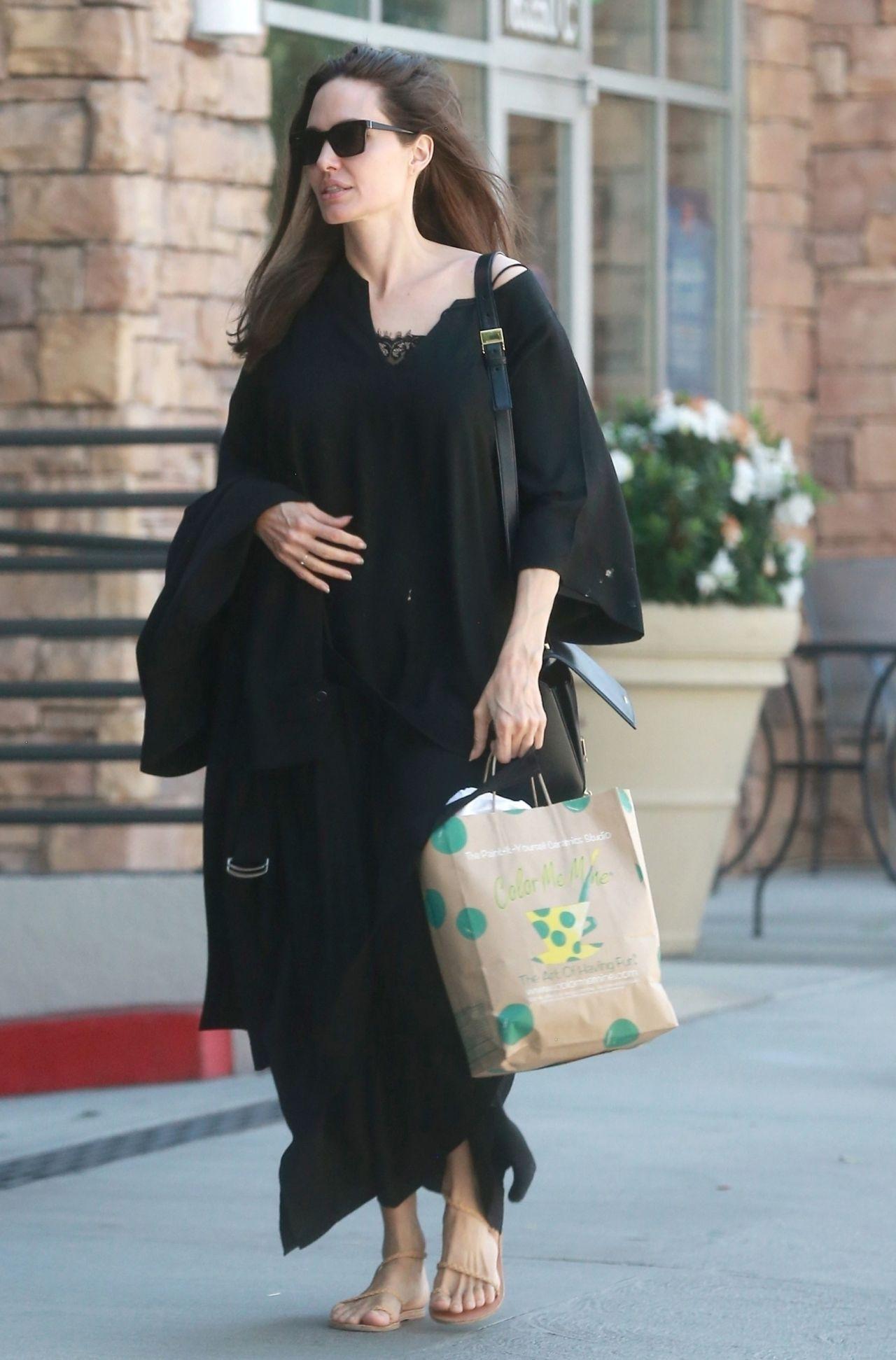 Angelina Jolie Latest Photos Celebmafia