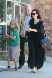 Angelina Jolie With her father, Jon Voight at Color Me Min in LA 08/14/2017