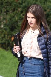 """Anna Kendrick on Set of """"A Simple Favor"""" Movie in Toronto 08/16/2017"""