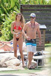 April Love Geary in Bikini - Hits the Pool With Robin Thicke, North Shore, HI 08/17/2017