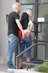 Ariel Winter Booty in Jeans - Arriving at Escape Room in Hollywood 08/15/2017