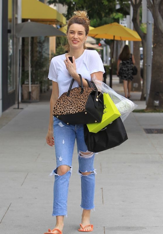 Arielle Vandenberg - Shopping in Beverly Hills 08/01/2017