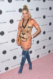 Ava Capra – Beautycon Festival in Los Angeles 08/13/2017