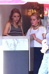 Ava Phillippe - Working as a Hostess at Pizzana Pizza Restaurant in Brentwood 08/20/2017