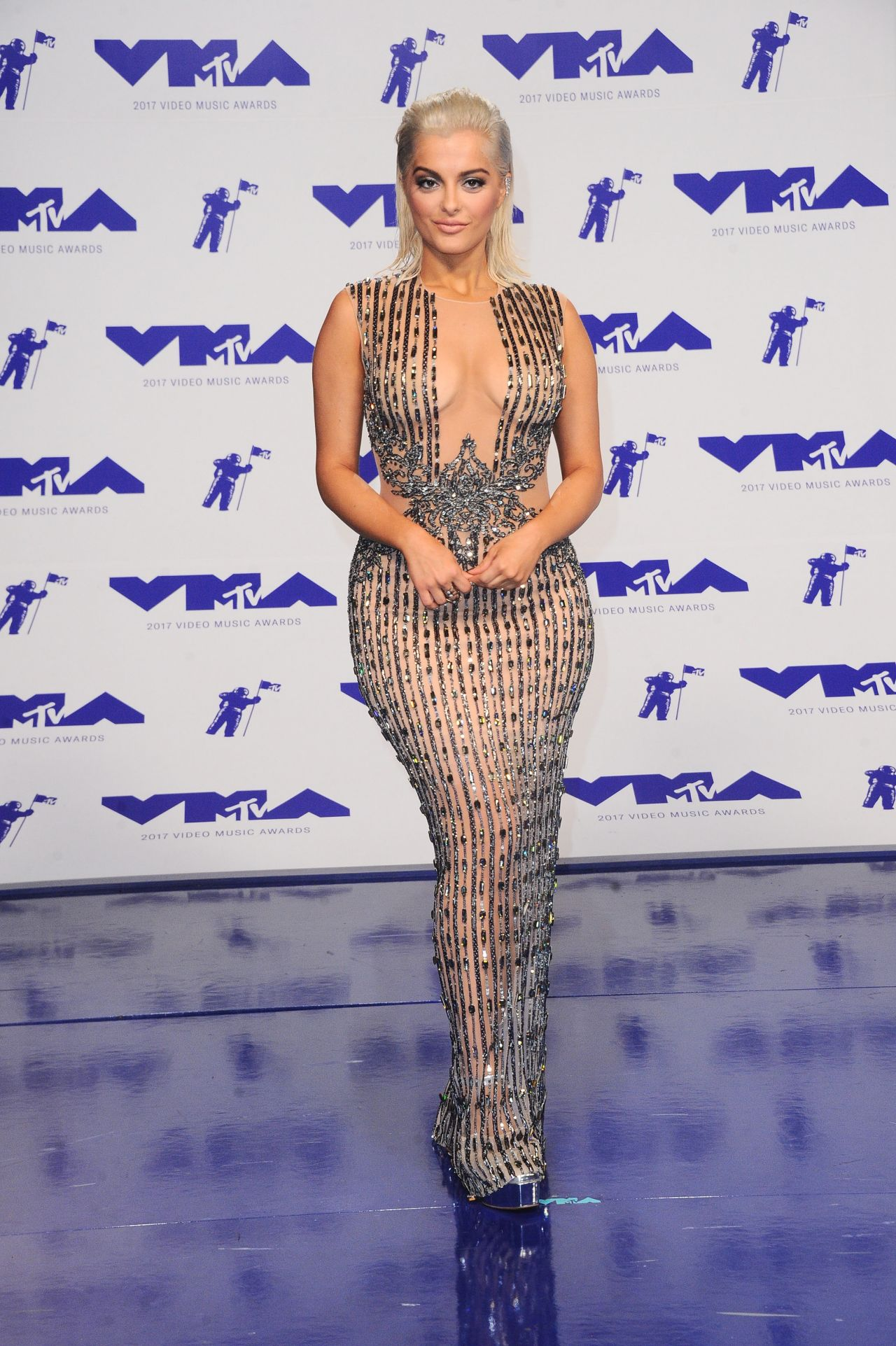 Bebe rexha mtv video music awards in los angeles 08 27 2017 for Beb it