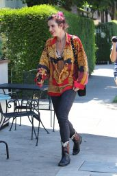 Bella Thorne - Heads to Lunch in Sherman Oaks 08/23/2017