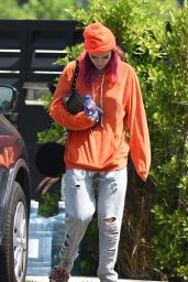 Bella Thorne - Leaves Her House and Heads to the Hair Salon in LA 08/25/2017