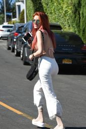 Bella Thorne - Shows Off Her New Hair Color in Los Angeles 08/26/2017