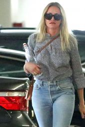 Cameron Diaz - Arrives for a Meeting in Los Angeles 08/18/2017