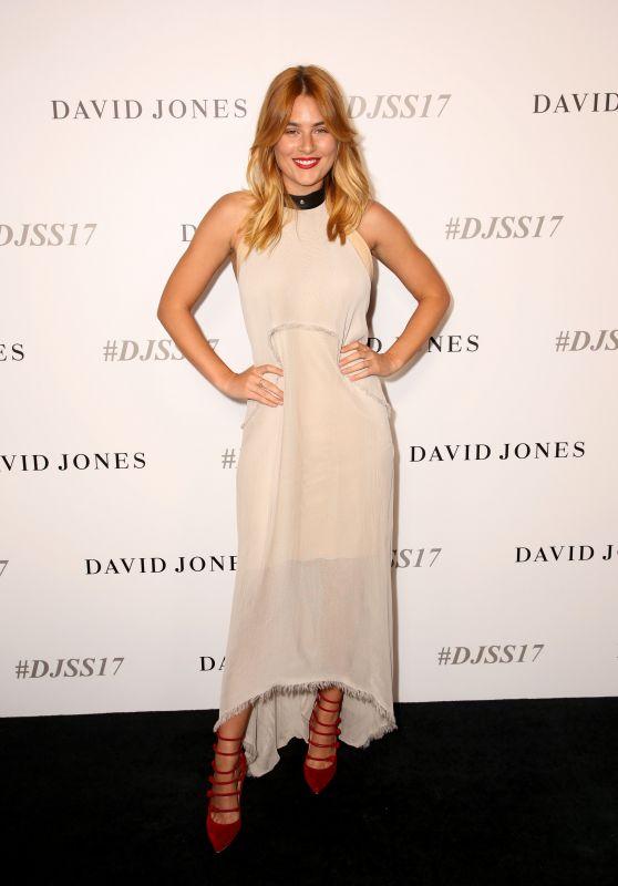 Carissa Walford – David Jones Fashion Show in Sydney, Australia 08/09/2017