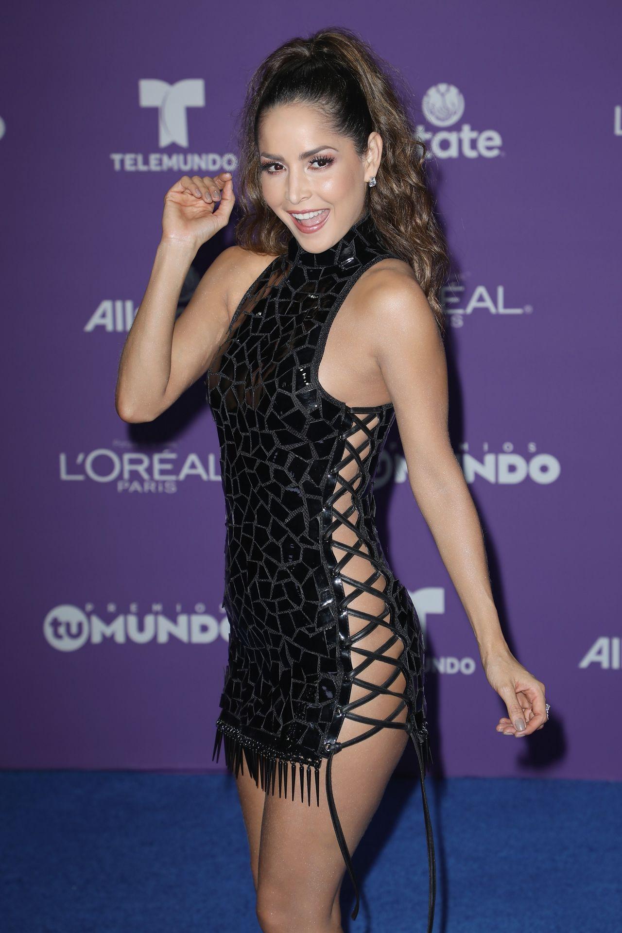 Carmen Villalobos Premios Tu Mundo In Miami 08 24 2017