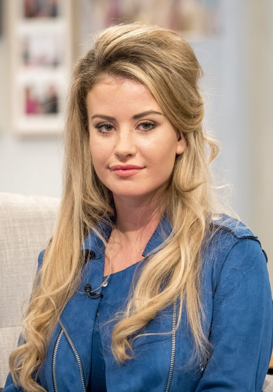 "Chloe Ayling - ""Lorraine"" TV Show in London 08/16/2017"