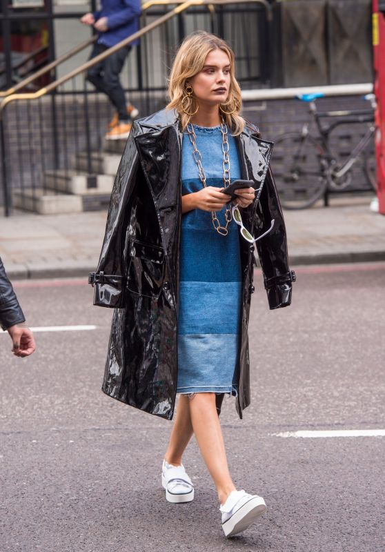 Chloe Lloyd Style - East London 08/12/2017