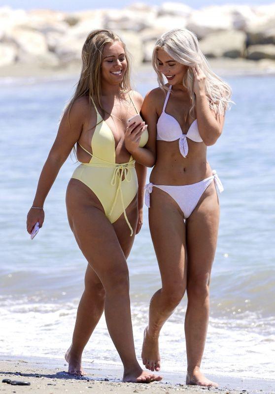 Chyna Ellis and Tyne-Lexy Clarson - Enjoy in the Sea in Spain 08/12/2017