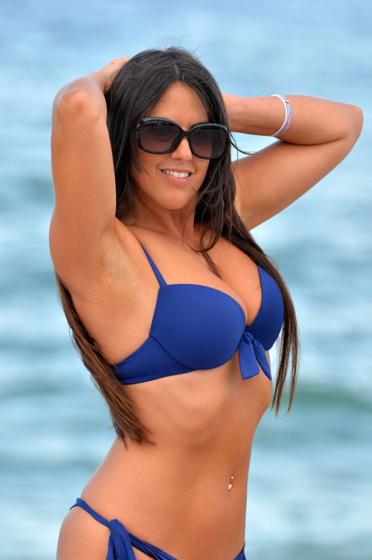 Claudia Romani In Bikini - Does Yoga In West Palm Beach -7354