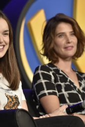 Cobie Smulders - The Wizard World Chicago Comic-Con in Rosemont 08/26/2017