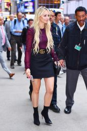 Corinne Olympios Style - Arriving to Appear on Good Morning America in NYC 08/29/2017