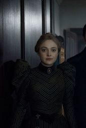 "Dakota Fanning - ""The Alienist"" Posters and Photos"